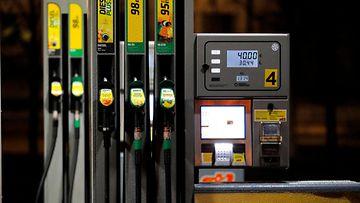 bensa polttoaine bensapumppu huoltoasema st1