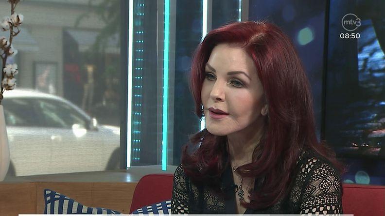 Priscilla Presley HuSussa (1)