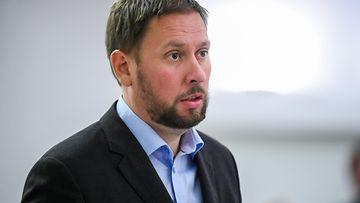 Paavo Arhinmäki AOP