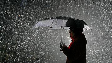 sade sateenvarjo kuvitus AOP