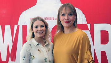 Pamela Tola ja Niina Lahtinen Swingers-pressissä Tennispalatsissa 28.6.2018 2