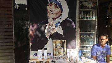 Äiti Teresa, Intia, katukoju