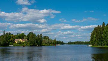 Järvi hukkuminen kuvituskuva