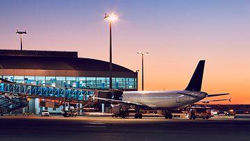lentokone, lentokenttä, matkailu, matkustus