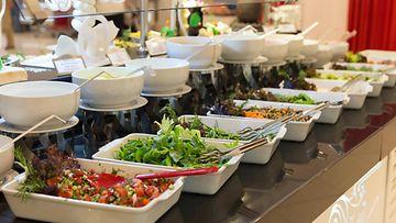 buffet salaatti noutopöytä ruoka