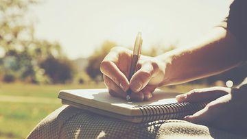 kirjoittaminen 2