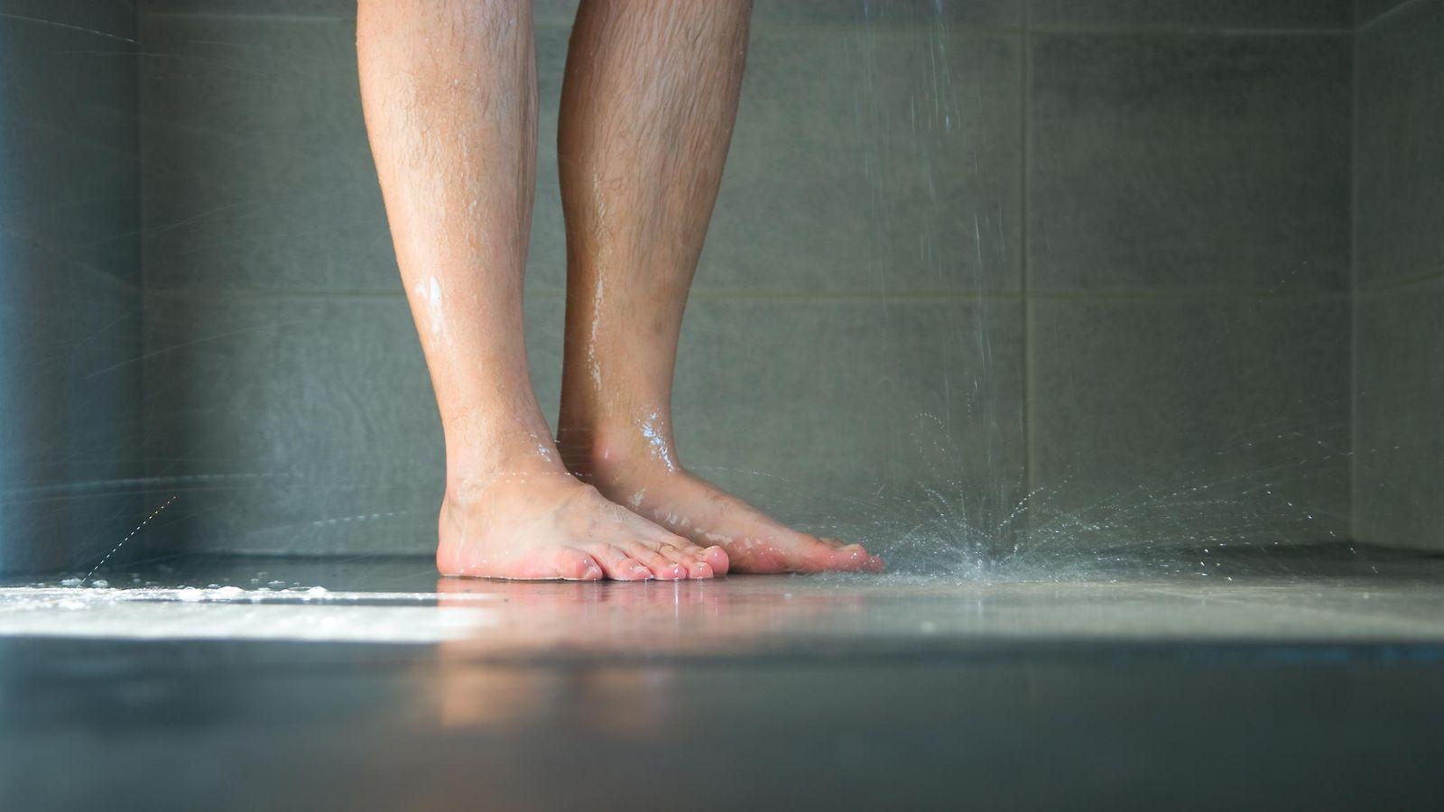 Miten teet tytön suihkuta