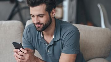 mies kännykkä tekstiviesti