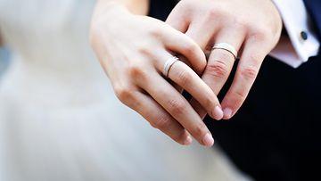häät sormus aviopari pari