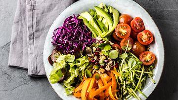 salaatti vihannekset