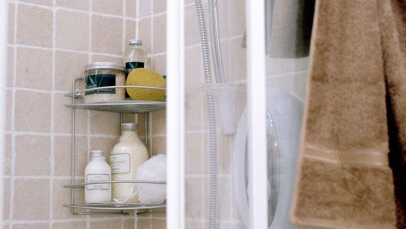 AOP, suihku, suihkukoppi, shampoo, kylpyhuone