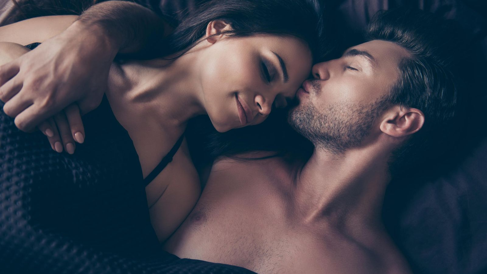 Haluan ruiskuttaa seksin aikana todellinen ankkuri orgioita