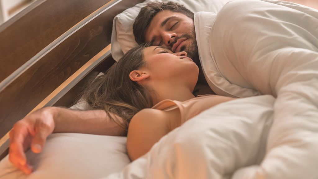 Naisten orgasmeja nukkua