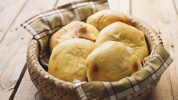 perunaleipä leipä sämpylä