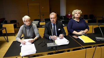 Lehtikuva elokuvasäätiö oikeudenkäynti entinen toimitusjohtaja Irina Krohn ja nykyinen hallintojohtaja Niina Otva-Lampi ja asianajaja Mika Pakarinen