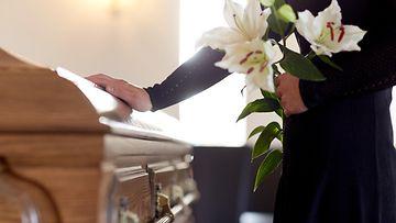 hautajaiset, kuolema shutterstock