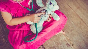 lapsi, lääkäri, stetoskooppi, nalle