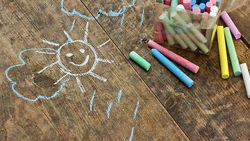 lapsi, liidut, piirtää