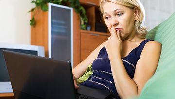 nainen, tietokone