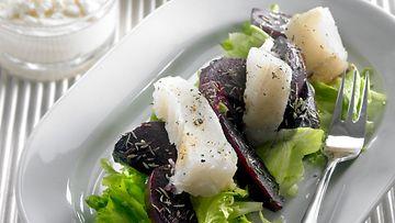 lipeäkalasalaatti