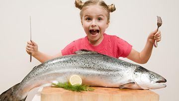 lapsi, kala, syödä