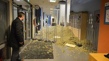 Lehtikuva Loviisa koulu katto romahdus