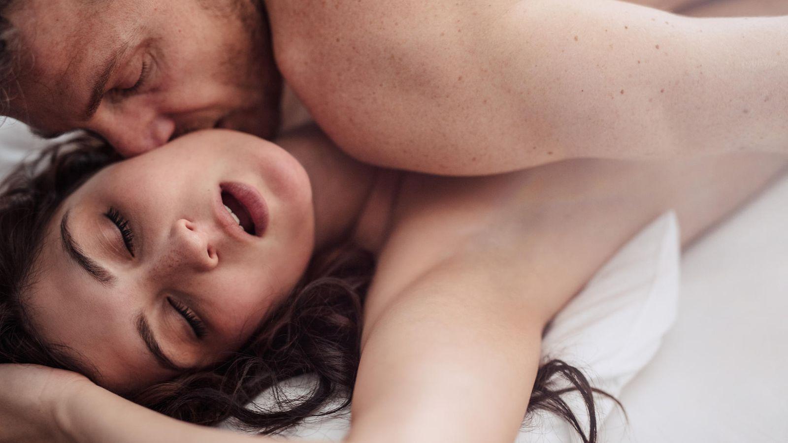 Suihkuta aikana orgasmi