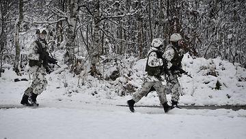 varusmies puolustusvoimat talvi