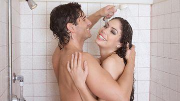 seksi suihkussa