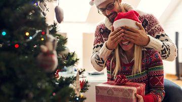 dating neljä kuukautta joulu lahjasuosituin College dating apps