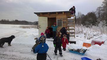 Kurjen tila, lapset, kaupallinen yhteistyö suomen asuntomessut