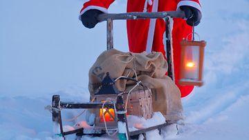 AOP joulu joulupukki lumi talvi sää