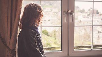 nainen, ikkuna, horisontti