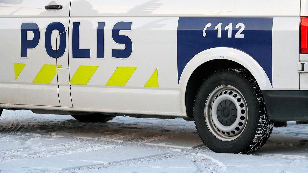 AOP poliisi poliisiauto talvi lumi 1.03846813