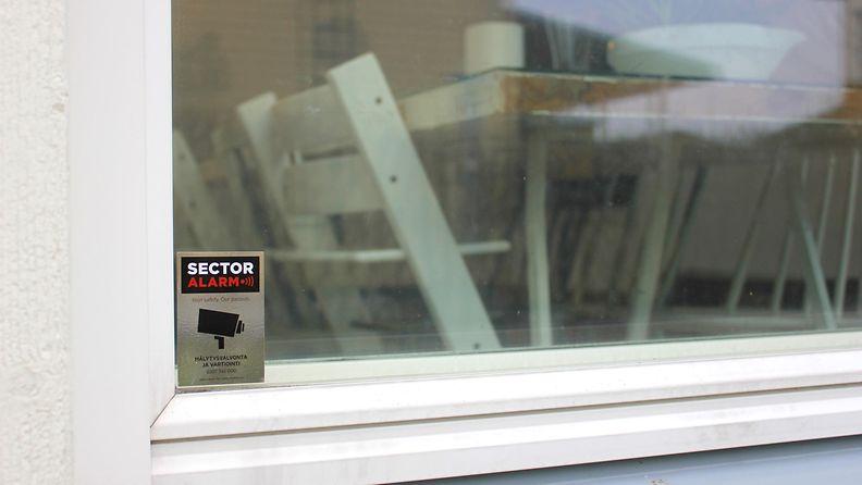 ikkuna ulkoa 2