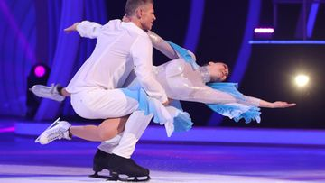saara aalto dancing on ice (6)