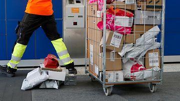 posti postipaketti pakettiautomaatti
