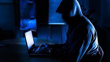 AOP Hakkeri hakkerointi tietomurto tietoturva 1.03738923