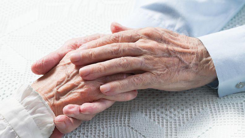 rakkaus, pariskunta, eläkeläiset