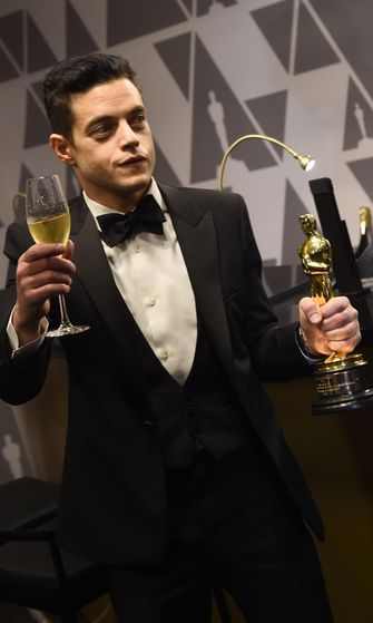 Rami Malek ruiskutteli samppanjaa Oscar-gaala 25.2.2019 6