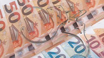 AOP raha rikos käsiraudat talousrikos 1.03839205