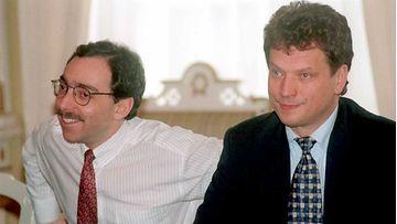 KOKOOMUKSEN BEN ZYSKOWICZ JA SAULI NIINISTÖ 1995