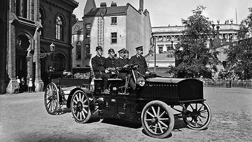 helsingin kaupunginmuseo signe brander sähköauto paloauto 1909