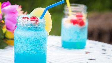 sininen drinkki cocktail