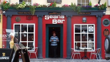 AOP Irlanti athlone Sean's pub