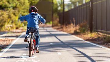 poika pyörä