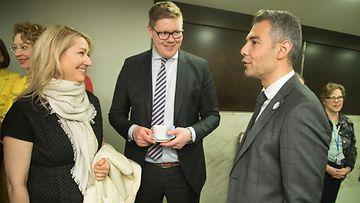 SDP:n eduskuntaryhmän kokous 18.4.2018: Maria Guzenina, Antti Lindtman ja Hussein Al-Taee