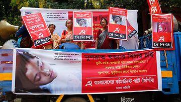 Nainen poltettiin elävältä Bangladeshissa AOP
