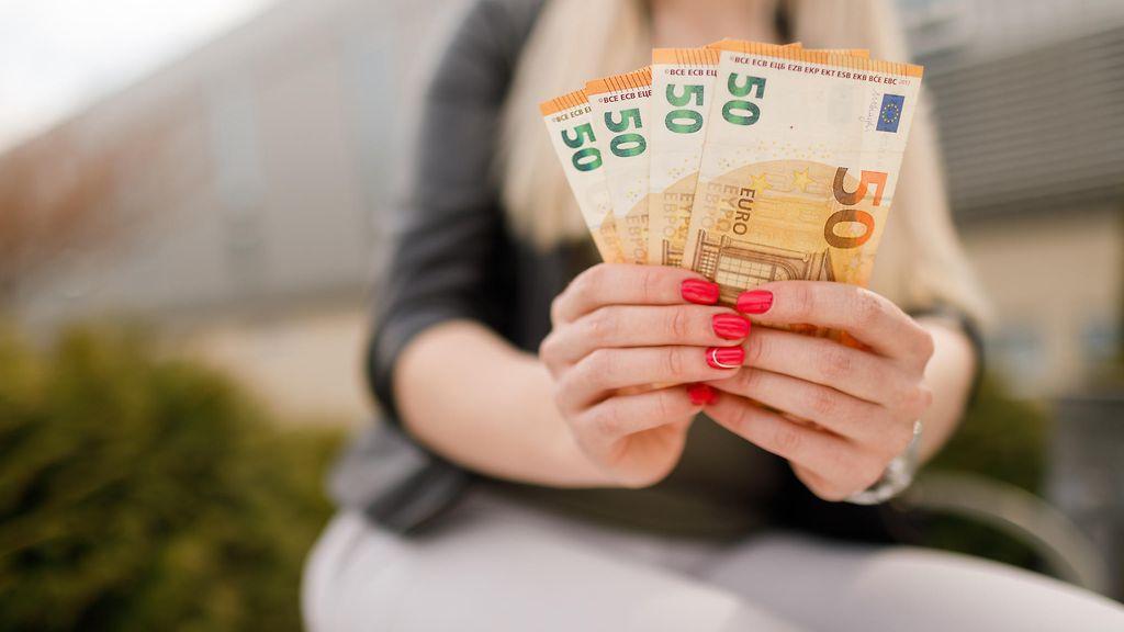 Pienituloisesta rikkaaksi kymmenessä vuodessa? Miljonääri vinkkaa varmat keinot vaurastumiseen