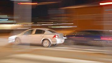 kuvituskuva liikenne ylinopeus